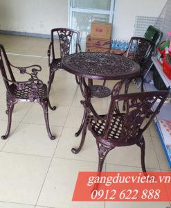 Ban Ghe Nhom Gang Duc 24